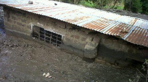 Abancay: continúan deslizamientos de lodo y piedras en Tamburco