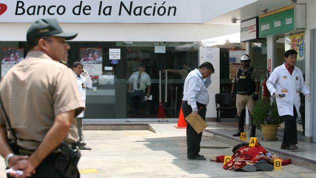 Asalto en Banco de la Nación: cámaras captaron irrupción de delincuentes