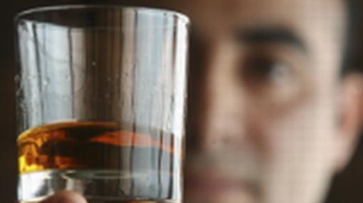 Hallan un gen que nos predispone a beber alcohol en exceso