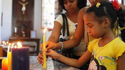 Más de 300 cubanos regresan a la isla para ver al Papa