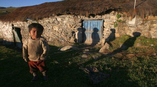 La pobreza monetaria en el Perú se redujo a 30,8% al 2010