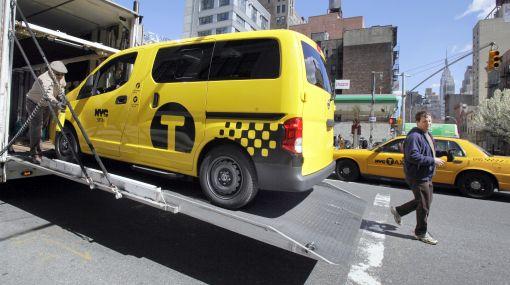 """Presentan en Nueva York el taxi amarillo """"del mañana"""""""