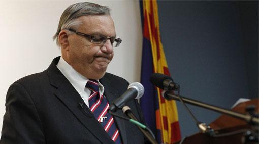 EE.UU. demandaría a sheriff de Arizona por abusar de los latinos