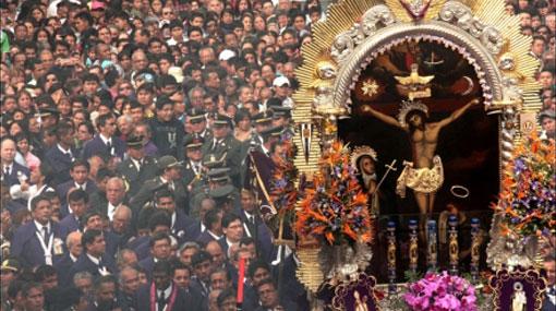 Viernes Santo: Señor de los Milagros retorna a la iglesia Las Nazarenas