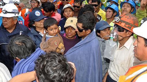 Salud de mineros rescatados de socavón en Ica es estable