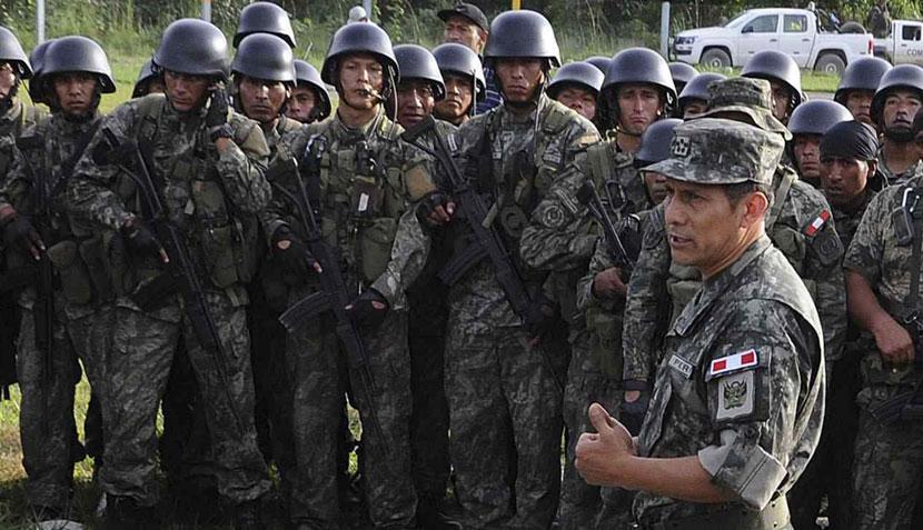 FOTOS: Ollanta Humala volvió al uniforme militar para visitar el VRAE
