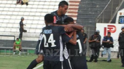 Alianza Lima ganó 2-0 a Universitario el clásico de la Reserva