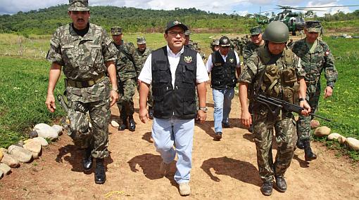 """Otárola pidió a Abugattás que le deje explicar en el Congreso operación """"Libertad"""""""