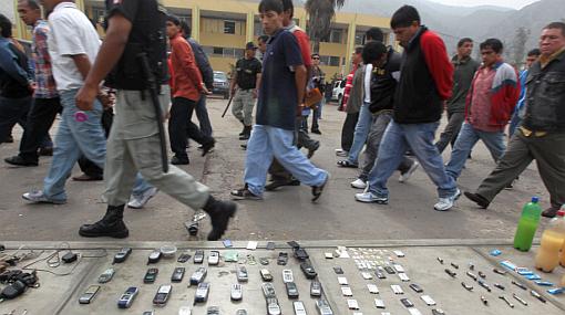 """""""Ley que castiga ingreso de celulares y armas reducirá tráfico de estos objetos"""""""