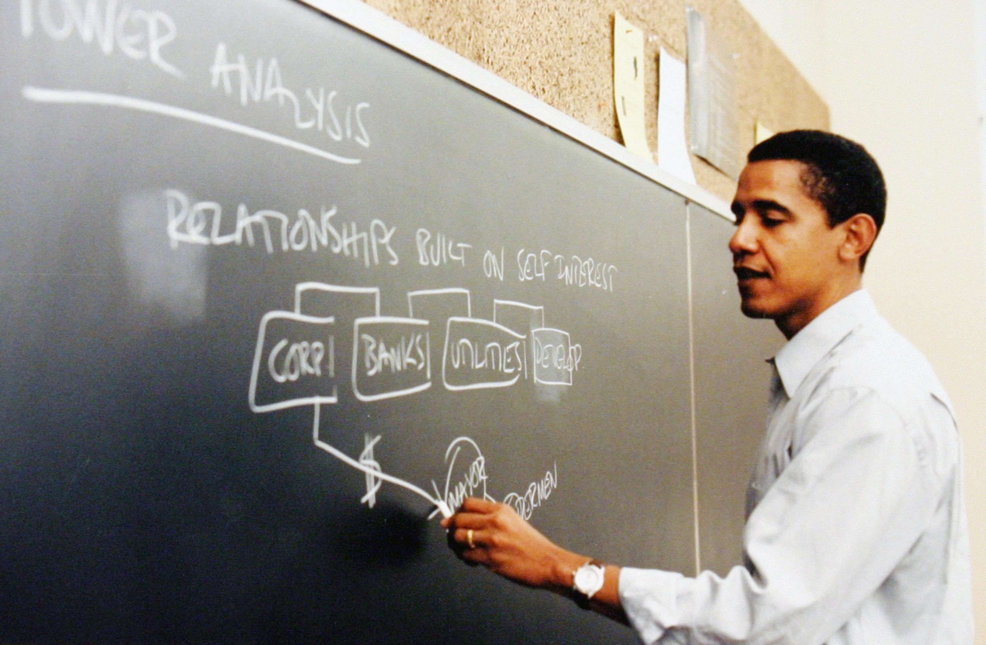 Obama quiere atraer voto de jóvenes con créditos universitarios