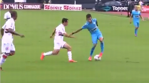 VIDEO: Neymar enloqueció a un rival, y este lo hizo volar con una patada