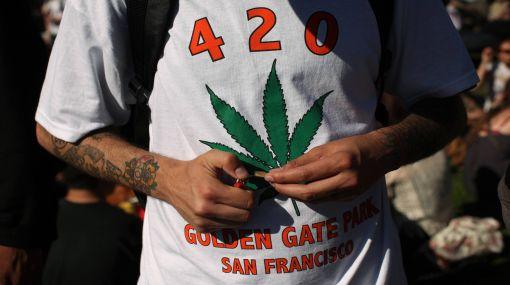 EE.UU.: uno de cada 10 adolescentes fuma marihuana al menos 20 veces al mes