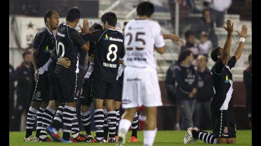 Vasco y Corinthians ganaron y ya están en cuartos de final