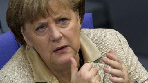 Endurece posición: Merkel insiste con austeridad para Europa