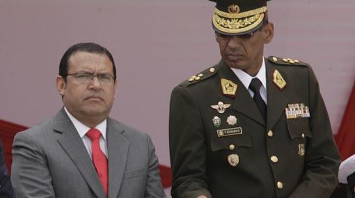 Jefe del Ejército negó haberse insubordinado ante ministro Otárola