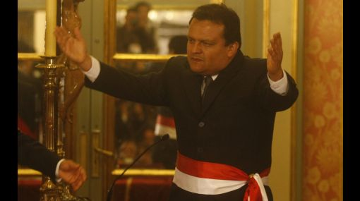 José Urquizo asumiría Defensa en reemplazo de Alberto Otárola