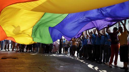 Ser gay puede implicar pena de muerte en 5 países y en 78 es ilegal