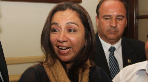 Vicepresidenta no sabía que nuevo ministro del Interior firmó sujeción al autogolpe de Fujimori