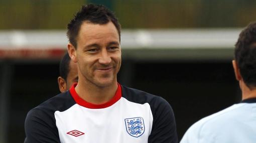Inglaterra convoca a John Terry y revive polémica por racismo