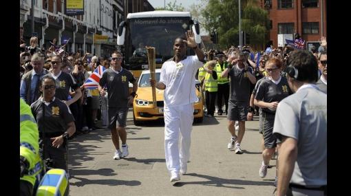 Drogba participó en el relevo de la antorcha olímpica