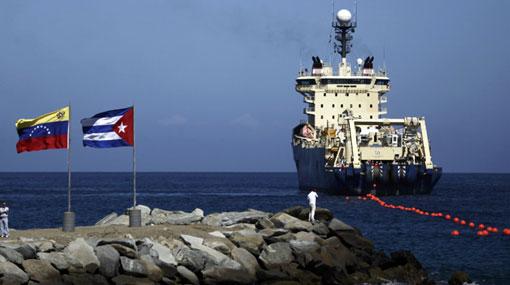 """Venezuela afirma que cable con el que da Internet a Cuba está """"totalmente operativo"""""""