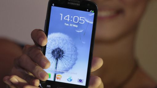 El Samsung Galaxy S3 salió a la venta dispuesto a ampliar su ventaja del iPhone