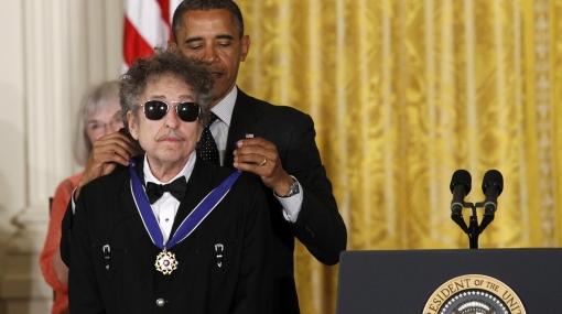 "Barack Obama condecoró a Bob Dylan con la ""Medalla de la Libertad"""