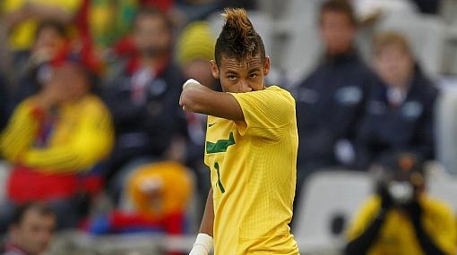 México aprobó examen de lujo y ganó 2-0 a Brasil