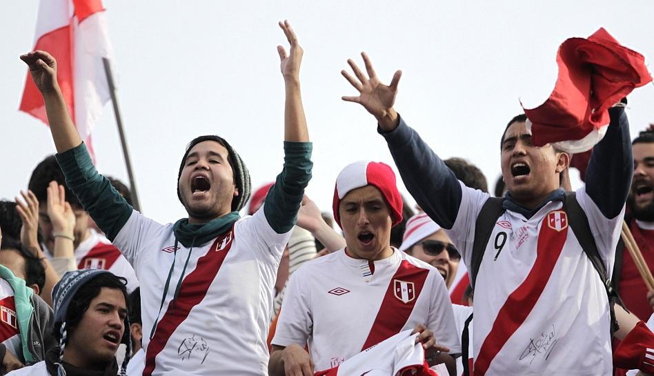 FOTOS: El Uruguay-Perú en imágenes tan infartantes como el partido