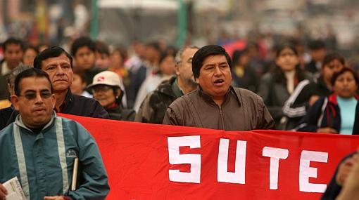 Maestros del Sutep seguirán con manifestaciones durante III Cumbre ASPA