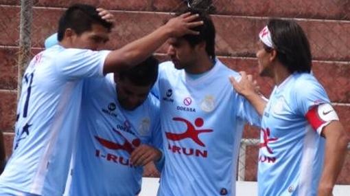 Real Garcilaso venció 2-0 a Sport Huancayo y sigue arriba