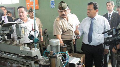 Ejército anunció que alista la primera pistola de fabricación peruana