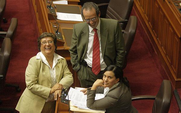 """Congresistas salientes de Gana Perú alistan """"grupo de coordinación"""""""