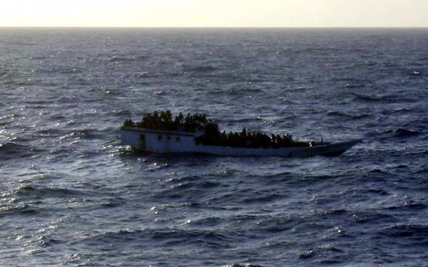 Australia: más de 120 inmigrantes fueron rescatados tras naufragio