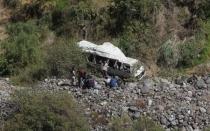Huancavelica: a 20 subió cifra de fallecidos que dejó caída de bus a abismo - Noticias de accidente en huancavelica
