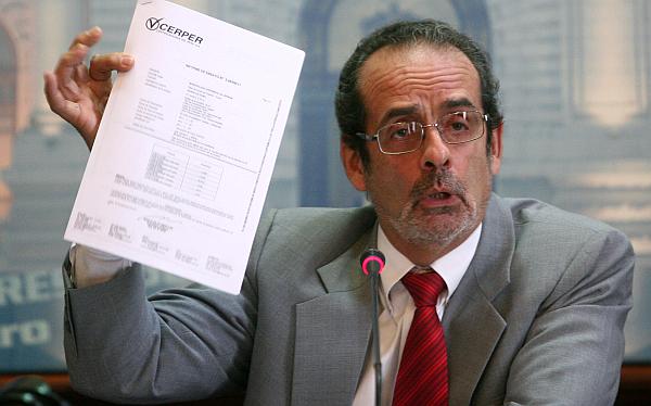 Comisión de Ética evaluará hoy acusación contra Javier Diez Canseco