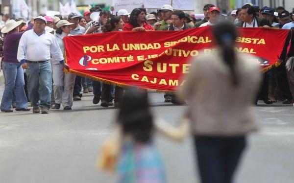 Ica: Panamericana Sur es bloqueada por manifestantes del Sutep y Construcción Civil