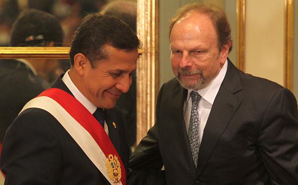 Lerner Ghitis pidió a Humala no esperar hasta el 28 de julio para renovar el Gabinete