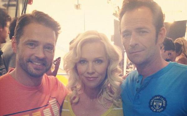 """Protagonistas de """"Beverly Hills, 90210"""" se reencontraron 12 años después"""
