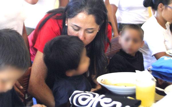 FOTOS: presidente Humala visitó a niños rescatados de terroristas