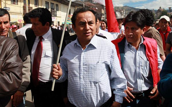 Cajamarca: Santos y Arana encabezaron marcha pese a estado de emergencia