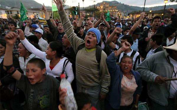 Antimineros convocan a paro contra Conga mientras facilitadores dialogan en Cajamarca
