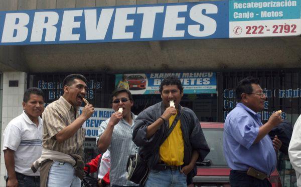 Municipio de Lima espera emitir licencias de conducir desde el 2013