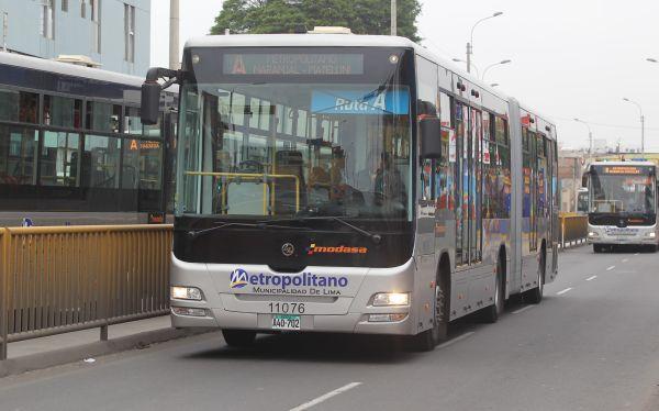Metropolitano: solo servicios regulares operarán hoy y serán desviados por procesión