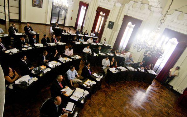 Regidores de Susana Villarán rechazaron sanción a los que dañaron la Plaza San Martín
