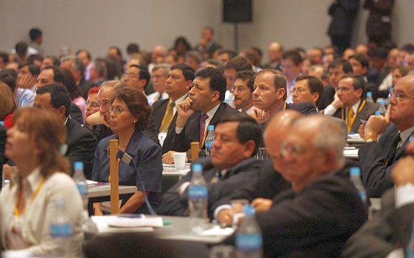 ¿Cómo se vienen internacionalizando los grupos empresariales peruanos?