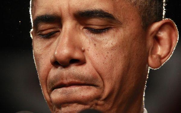 Obama canceló gira electoral por Florida debido a matanza en Colorado