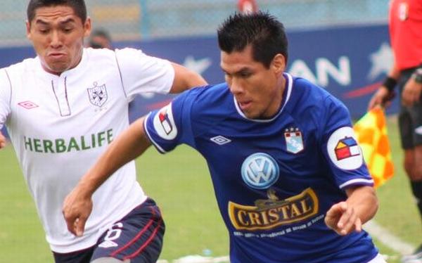 Hernán Rengifo dejará Cristal para jugar en el equipo de Roberto Carlos
