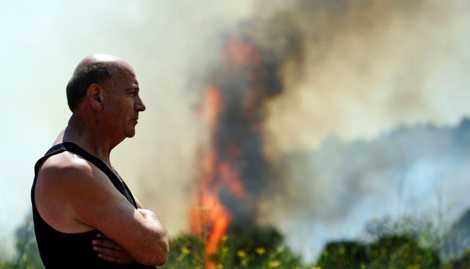 FOTOS: incendio que consume bosques de Barcelona ocasiona la muerte de 4 personas