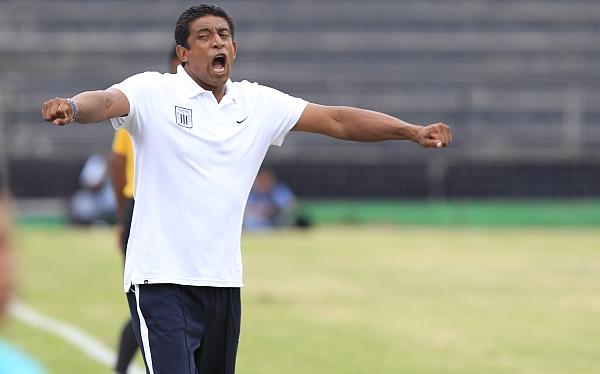 """José Soto: """"Debimos haber ganado, pero los penales nos complicaron"""""""
